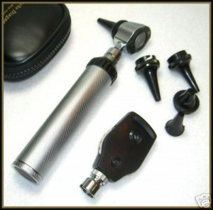 Ophthalmoscope_and_otoscope